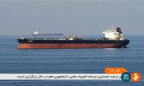 Haitau vua bi tan cong o Hormuz: Iran len tieng nong