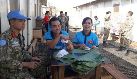 Cuu vo con Thong doc, bac si Viet duoc tang bo