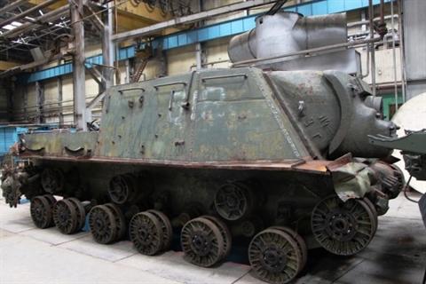 Nga gay bat ngo khoi phuc ISU-152 va IS-2