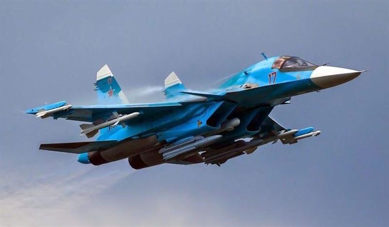 Phiên bản hiện đại hóa Su-34 sẽ khác rất nhiều các máy bay chiến đấu, hiện đang có trong biên chế trong quân đội Nga. Chúng có khả năng mang được nhiều loại vũ khí hơn, bao gồm cả bom có độ chính xác cao, bom thông thường và các loại tên lửa không đối mặt (đối đất và đối biển), số lượng các loại mục tiêu mà Su-34 có thể tiêu diệt cũng được mở rộng hơn.