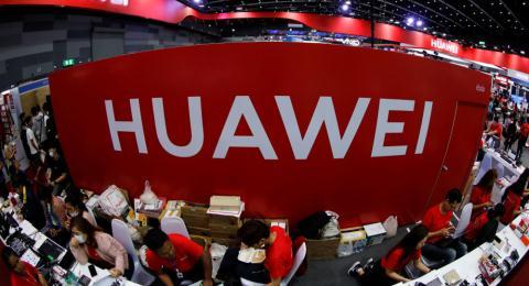 Ngung hoat dong o My, Huawei dau tu nghien cuu o Nga