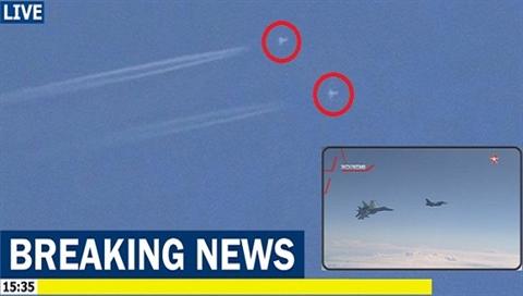 Gap Su-35 Nga, F-16 Tho bo Khan Shaykhunbay tuot ve nuoc