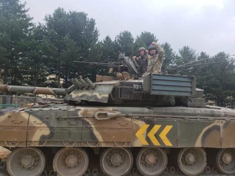 Binh si My: Tang T-80U manh ngang M1A2 Abrams