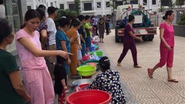 Nước máy bẩn, nước lọc tăng giá gấp 3: Dân dài cổ...
