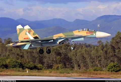 Belarus hoan thanh dai tu, nang cap Su-27UBK cho Viet Nam