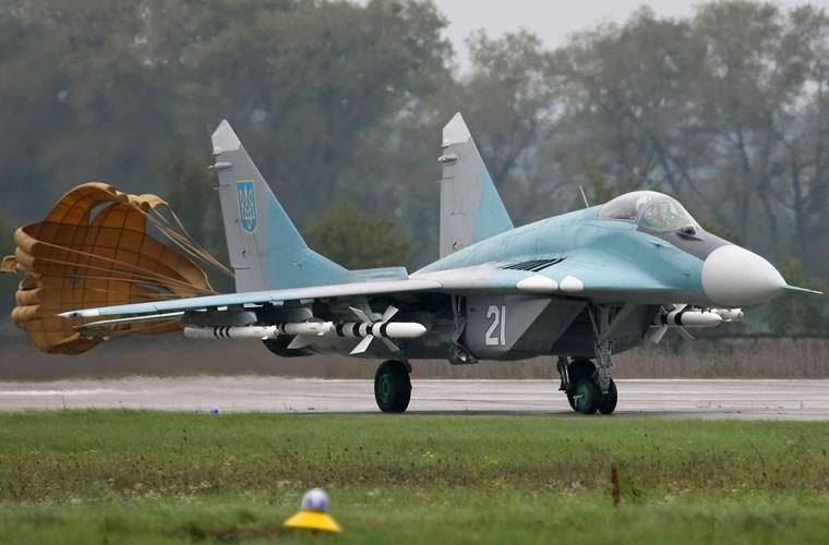 Để phi đội chiến đấu cơ này đạt chuẩn NATO, Công ty quốc phòng Novator của Ukraine được giao nhiệm vụ tích hợp hệ thống radar cảnh báo sớm trên không SPS-2000 dành riêng cho MiG-29 thuộc biên chế Không quân nước này.