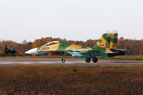 Viet Nam nhan lai tiem kich Su-27UBK so hieu 8523 tu Belarus
