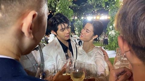 Noo Phuoc Thinh khoc mung Dong Nhi: Nhieu dieu dang noi