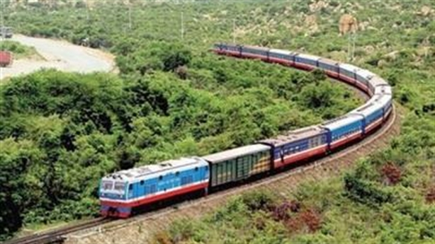 Đường sắt 100.000 tỷ đồng: Vẫn đầu tư theo quy định?