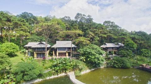 Khach to Resort Melia Ba Vi dung nuoc ban, mui tanh