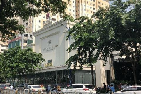 Cuong che Riverside Palace khong phep giua Sai Gon