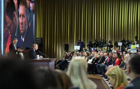 Họp báo Tỏng thóng Nga: Dièu ong Putin khong thẻ quen