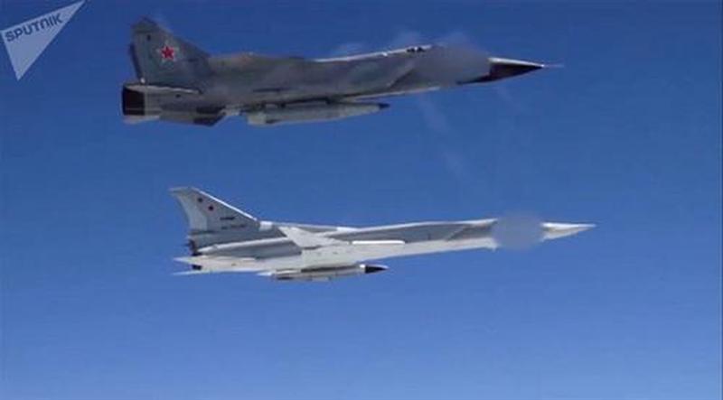 Trên phiên bản Tu-22M3M sẽ mang được nhiều loại vũ khí tối tân thế hệ mới khác nhau, trong đó có tên lửa X-22 và tên lửa siêu thanh Kinzhal với số lượng tối đa lên tới 4 quả cho 1 lần cất cánh so với 1 quả của MiG-31.