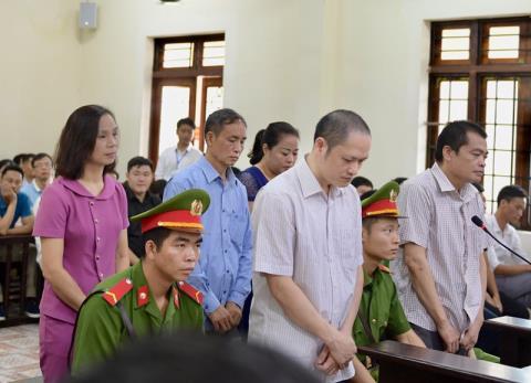 Khien trach ong Trieu Tai Vinh: Khong ai ngoai le