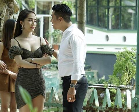 Quynh Nga phan tran chuyen dong sexy, noi 'phu' ve Viet Anh