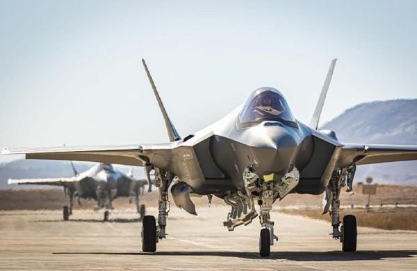 Và đây chính là nguyên nhân khiến F-35I bị giảm tính năng tàng hình rất nhiều khi so với phiên bản F-35A trong Không quân Mỹ và của những đồng minh khác mua phiên bản F-35A. Và phòng không Syria sẽ không quá khó để phát hiện và theo sát F-35I nếu nó được Không quân Israel điều đến Syria.