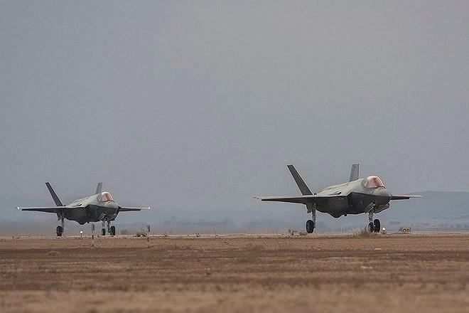 Số liệu trên trang FlightRadar24 cho thấy, chiếc tiêm kích F-35I sử dụng mã hiệu AF351F của Mỹ, cất cánh từ căn cứ không quân Nevatim, bay qua Dải Gaza rồi hướng ra biển.