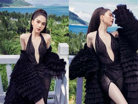 Mới đây, sau khi gây sốt với hình ảnh nude theo phong cách khá mới lạ, Ngọc Trinh tiếp tục khiến dư luận chú ý khi tung ra bộ ảnh mới của mình.