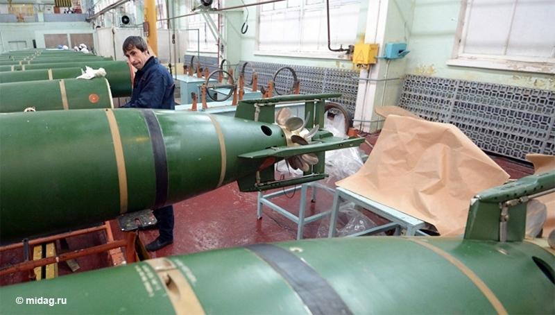 Theo Trung tướng Anatoly Gulyaev - người đứng đầu bộ phận vũ khí khí tài Quân đội Nga, ngư lôi UET-1E sẽ thay thế loại USET-80 đang phục vụ trong Hải quân Nga. Ngư lôi mới sở hữu tầm bắn, tốc độ và khả năng phát hiện mục tiêu dưới nước vượt xa USET-80.