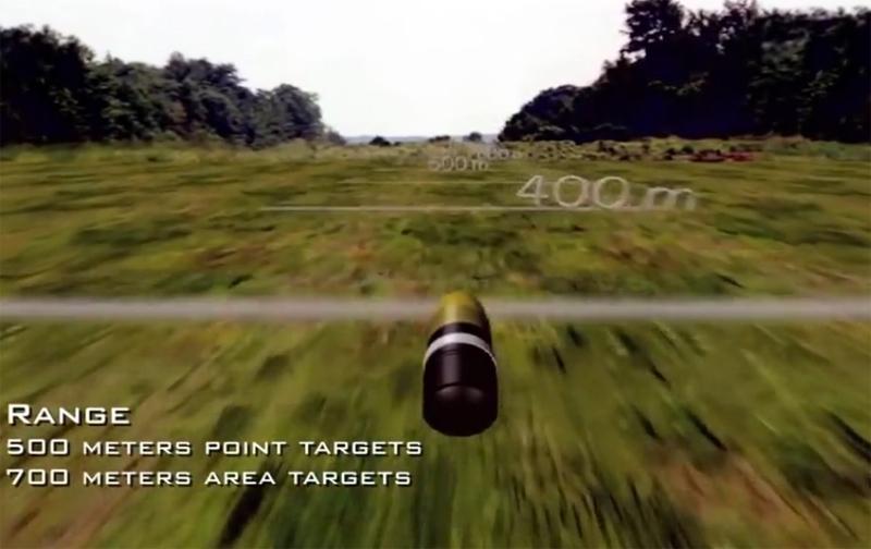 Bằng thao tác ấn mớm cò súng, xạ thủ có thể cộng trừ khoảng cách mà máy đo xác định được. Khi viên đạn được bắn đi, máy tính mini gắn bên trong nó tự động đếm số vòng xoay của viên đạn để xác định quãng đường đã bay.