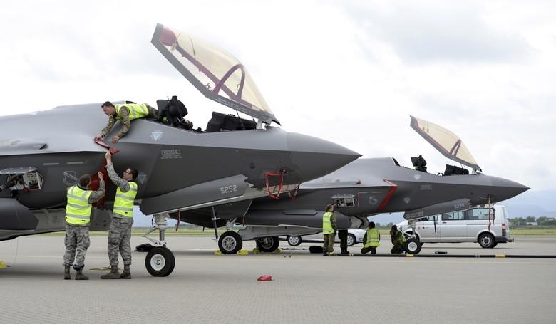Nhiệm vụ của F-35 Na Uy đã khá rõ ràng nhưng những chiến đấu cơ này khó có thể hoàn nhiệm vụ của mình do những khó khăn lớn Na Uy cũng đã kịp nhận ra ngay khi đưa F-35 vào vận hành thuộc về hệ thống dù và chúng cần phải được cải tiến.