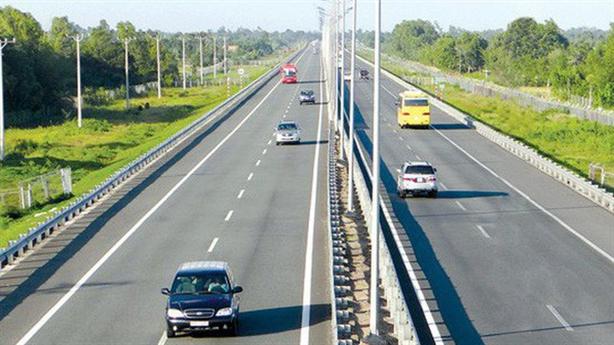 Chuyển đầu tư công 3 dự án cao tốc Bắc-Nam:Không thể dừng...
