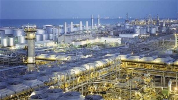 Cuộc chiến giá dầu: Tấn công Moscow, Riyadh đang đi trên dây