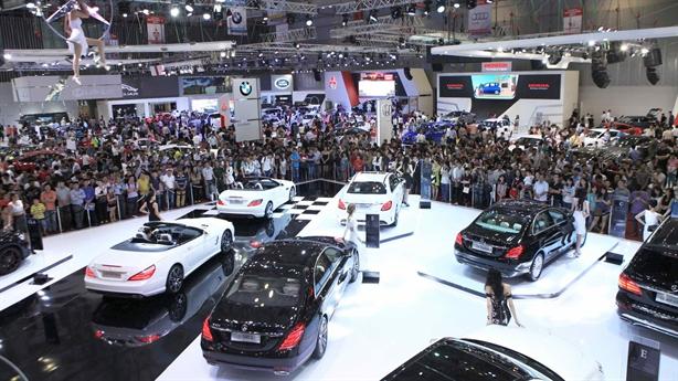 Biệt đãi thuế phí ôtô nội: Có lo rủi ro bị kiện?