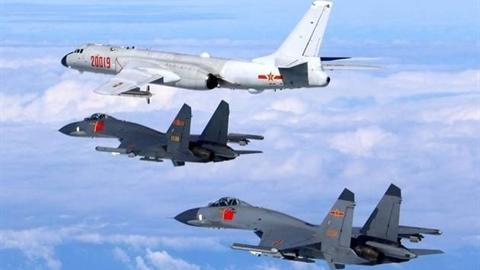 Su-35 Nga chặn P-8A Mỹ ở Hmeymim, Trung Quốc nói cứng...