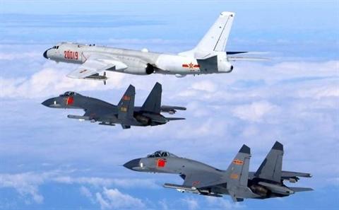 Su-35 Nga chan P-8A My o Hmeymim, Trung Quoc noi cung...