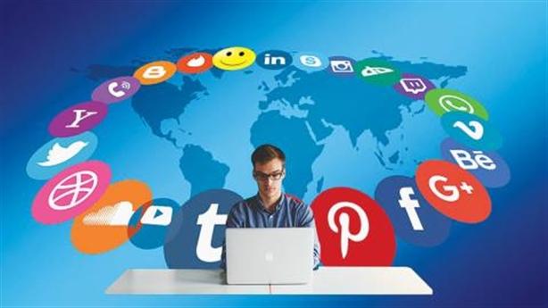 Báo chí đối đầu mạng xã hội: Vẫn thắng thuyết phục được