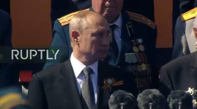 Thông báo của Bộ Quốc phòng Nga, trong số 234 khí tài cơ giới vừa xuất hiện trên Quảng trường Đỏ năm 2020, có hơn 20 mẫu vũ khí lần đầu tiên tham gia cuộc duyệt binh.