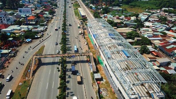 Bất động sản TP.HCM: Bê trễ quy hoạch quỹ đất dọc Metro