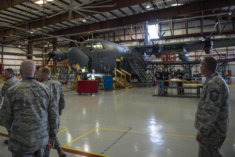Thông báo công bố bởi Bộ Quốc phòng Mỹ cho biết, nhà thầu Sierra Nevada Corp đã được trao bản hợp đồng 700 triệu USD để phát triển hệ thống hệ thống tác chiến điện tử (EW) cho những máy bay AC-130J do Bộ chỉ huy hoạt động đặc biệt Mỹ (USSOCOM) vận hành.