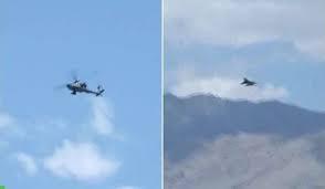 Theo hãng thông tấn ANI, những máy bay vận tải hạng nặng C-17, C-130J, trực thăng tấn công Apache... do Mỹ sản xuất đã được Không quân Ấn Độ điều động lên tuyến biên giới gần với Trung Quốc. Cùng với đó, máy bay Il-76, An-32 và Su-30MKI mua từ Nga cũng đã được điều đến khu vực này.