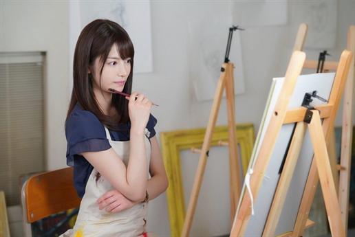 Nhiều người gọi cô là bản sao của Triệu Vy vì sở hữu nét đẹp quá giống minh tinh nổi tiếng người Trung Quốc.