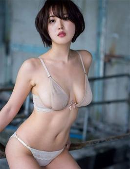 Sara Oshino đang nổi lên như một trong những siêu vòng một gợi cảm nhất Nhật Bản.