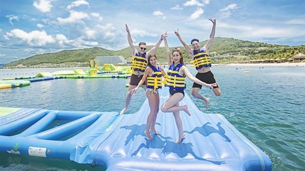 Quẫy tung hè với trò chơi nước siêu hoành tráng tại VinWonders