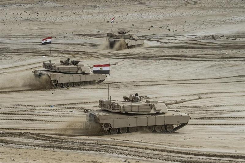 Lô tăng T-72 và cả Abrams được đích thân Tổng thống Ai Cập El-Sisi ra lệnh gửi đến Libya, đồng thời chỉ thị cho một số phi đội không quân Ai Cập sẵn sàng hỗ trợ lực lượng của Tướng Haftar giành lại thế trận chủ động trước liên minh Thổ-GNA.