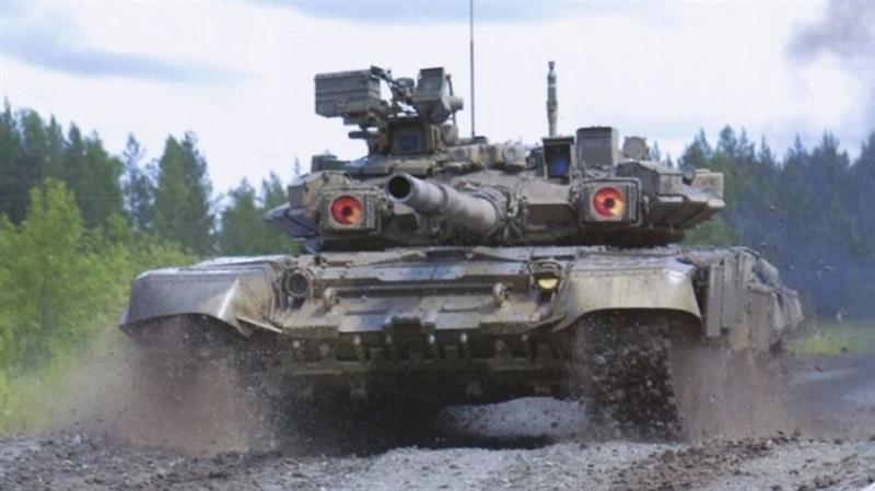 Nhiều khả năng trong vòng 10 năm tới, Lục quân Nga vẫn sẽ vận hành số lượng lớn xe tăng thuộc bộ đôi T-72B3M và T-90M, kết hợp với các mũi nhọn xung kích chủ lực T-14 Armata. Trong quá trình này, Nga sẽ vừa nâng cấp T-90, vừa sản xuất xe tăng T-14 Armata.