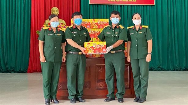 Dr Thanh tiếp sức chiến sĩ Quân khu 5, Quân khu 7