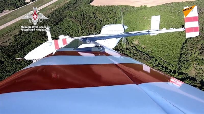 Trước khi Forpost-R được lên kế hoạch đưa vào trang bị, dòng máy bay này đã thực hiện nhiều cuộc thử nghiệm thành công với kết quả rất khả quan. Hiện nhà sản xuất chỉ còn chỉnh sửa một số chi tiết nhỏ trước khi chính thức đưa vào trang bị.