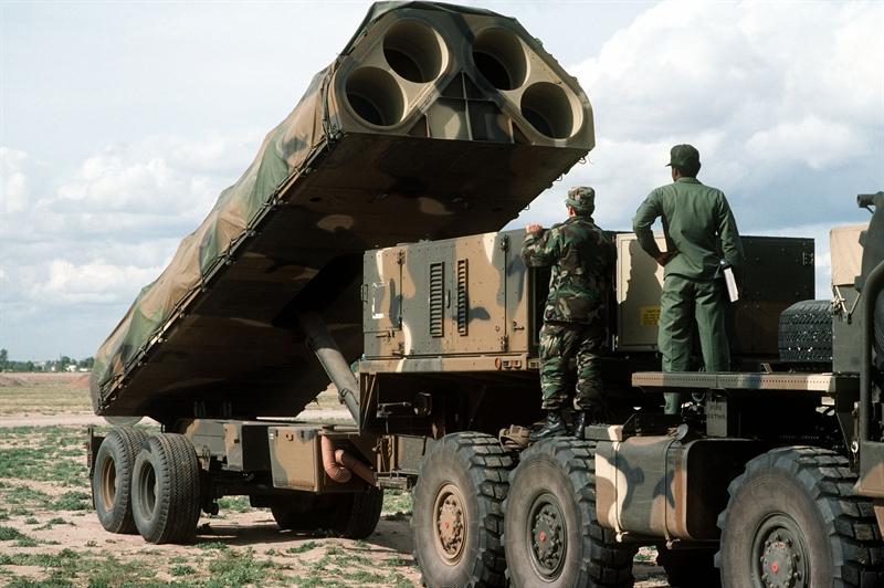 Trước thực tế này, Mỹ cần phát triển loại tên lửa mới hoặc một phiên bản nâng cấp phù hợp. Vị cựu đô đốc này cho biết, hiện có những lựa chọn có thể phù hợp cho Lục quân Mỹ bao gồm biến thể phóng trên đất liền của tên lửa Harpoon Block II+, phiên bản chống hạm của Tomahawk, tên lửa LRASM...