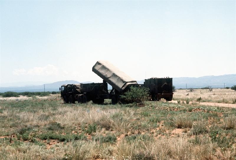 Theo chuyên gia của National Interest, ngay từ tháng 5/2015, Công ty Raytheon đã tiến hành thử nghiệm thành công khả năng đánh mục tiêu di động của tên lửa hành trình tầm xa Tomahawk Block IV (cả phiên bản phóng trên đất liền). Để có khả năng này, Raytheon trang bị cho phiên bản Block IV đầu tự dẫn.