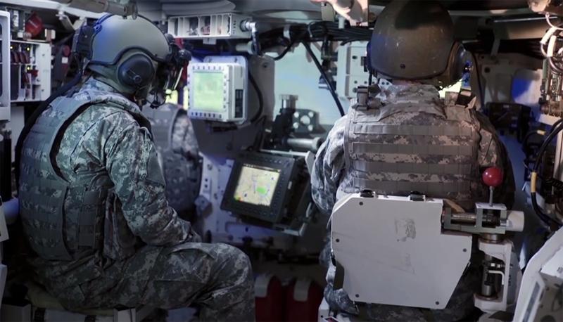 Thiết bị độc đáo này giúp binh lính quan sát toàn cảnh chiến trường một cách dễ dàng. Iron Vision cung cấp cho người nhìn hình ảnh màu với độ phân giải cao trong mọi điều kiện thời tiết.