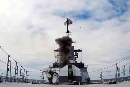 Tên lửa 9М96Е và 9М96Е2 sử dụng các hệ dẫn lệnh-quán tính và radar, tên lửa 9М100 được trang bị đầu tự dẫn hồng ngoại. Các tên lửa được trang bị đầu đạn nặng 24 kg có thể điều khiển.