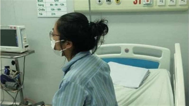 Bệnh nhân số 17 lại gây sốc: Tiền không mua được gì?