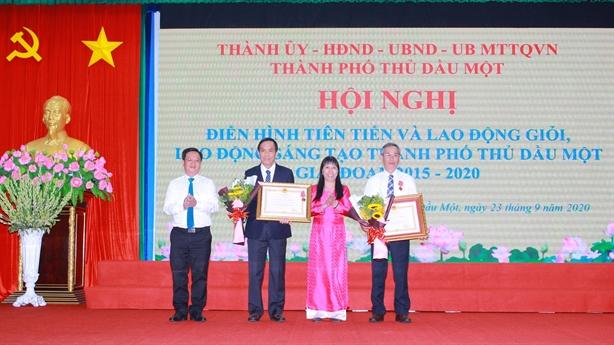 NutiFood vinh dự đón nhận huân chương lao động hạng 3