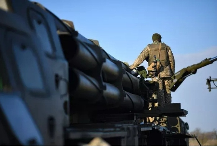 Trước đó, nhiều nguồn tin cho biết cuộc tập trận có sự tham gia của hơn 100 đơn vị quân đội và lực lượng đặc nhiệm của Ukraine với số vũ khí được huy động lên tới 12.000 đơn vị vũ khí và số thiết bị quân sự lên đến 700 đơn vị. Cuộc tập trận này cũng có sự tham gia của các đơn vị quân đội Mỹ và Anh trước sự giám sát của 200 hướng dẫn viên, cố vấn quân sự và quan sát viên nước ngoài.