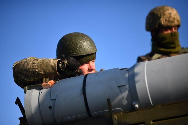 Có một điều rất dễ nhận thấy đó là sự tương đồng giữa tổ hợp MLRS Vilkha-M của Ukraine với BM-30 Smerch do Liên Xô sản xuất và hiện vẫn đang phục vụ tích cực trong Quân đội Nga.
